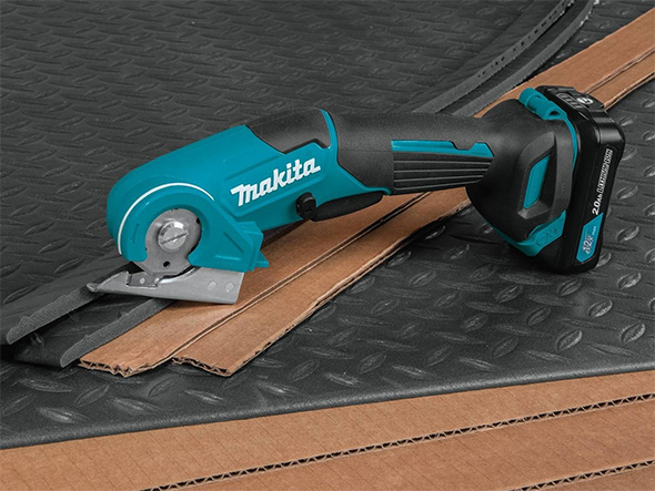 Makita 12V PC01R3